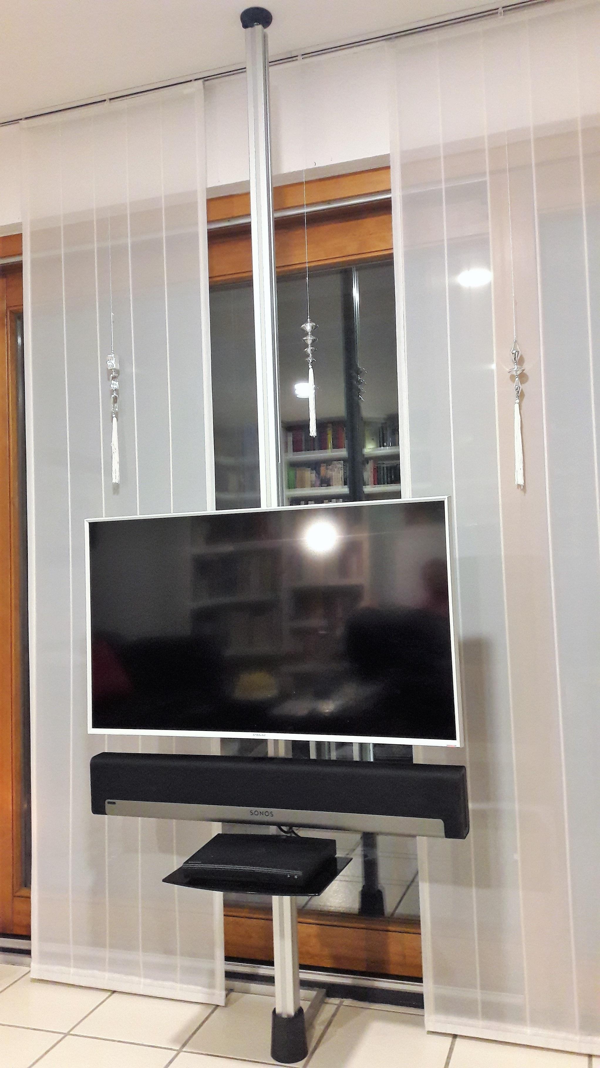 tv stangen tv halterungen aufstehhilfen boden decken stangen tv s ulen. Black Bedroom Furniture Sets. Home Design Ideas